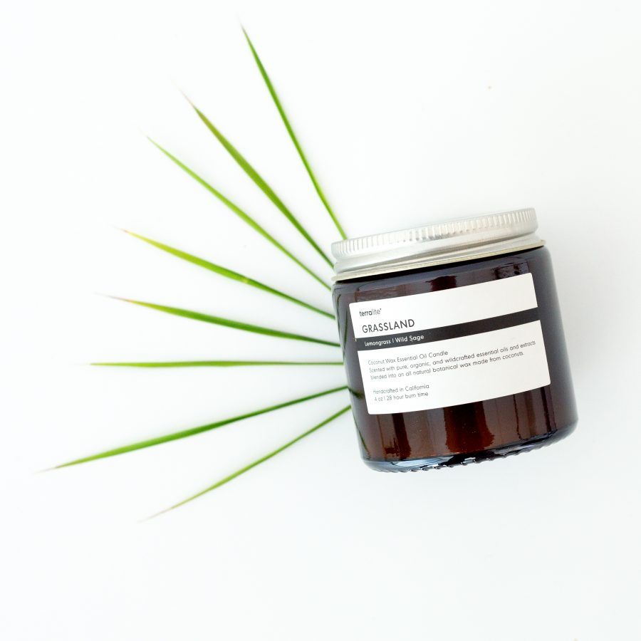 GRASSLAND Essential Oil Candle with natural coconut wax, lemongrass and wild sage essential oils - 4oz