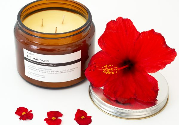 RED MANDARIN Essential Oil Candle blended with natural coconut wax, red mandarin, clementine and neroli essential oils. 16oz.